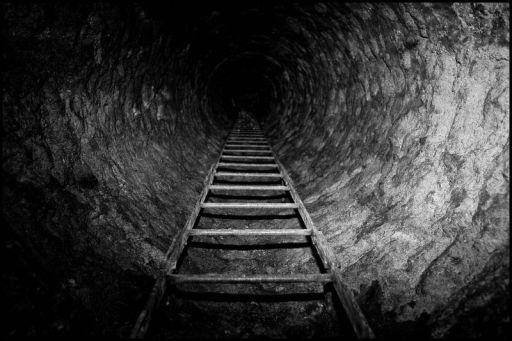 Paris underground, catacomb entrance